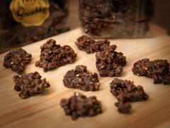 Haselnuss-Ecken mit Zartbitterschokolade